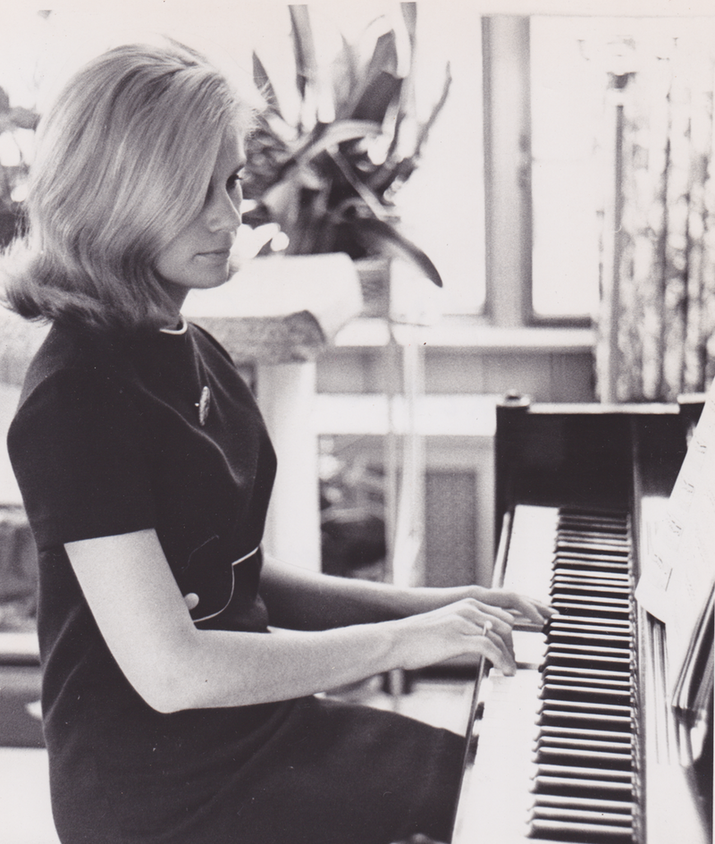 Playing the piano in 1968.